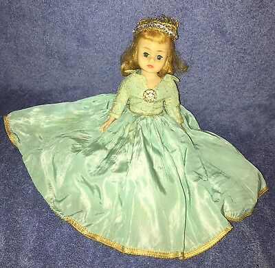 Sweet Vintage Madame Alexander Cissette Sleeping beauty? TLC