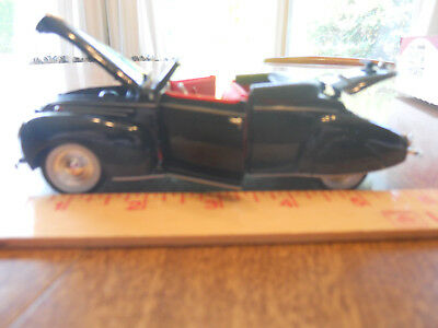 """1939 Lincoln Zepher Convertible Toy Model Black With Red Upholstery 6 1/"""" X2 1/4"""