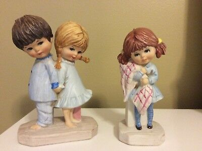 """Moppets Figurines Fran Mar 1971, Girl with Blanket and """"Make Love Not War"""""""