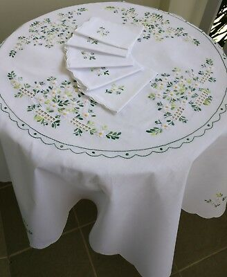 Vintage Tablecloth + 6 Napkins French Provincial Style Round White Embroidered