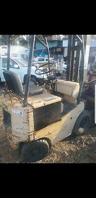 TCM Electric Forklift 1.8 Ton 2stg 4.5m Lift ,pneum tyres battery was replaced