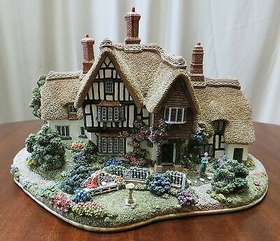 Lilliput Lane Country Living - British Collection 1998 Handmade in England L2171