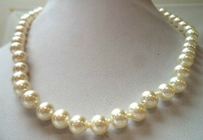 "Stunning Vintage Estate Ind Knotted Glass Faux Pearl 18"" Necklace!! 1096Q"