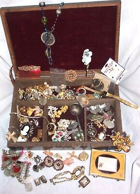 4+ lbs Estate Vintage Mixed Costume Jewelry Lot Earrings Necklaces Brooches AND