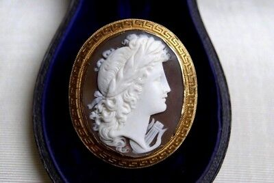 Antique Victorian Large15 Ct Gold Cameo Brooch Pendant Terpischore Muse & Lyre