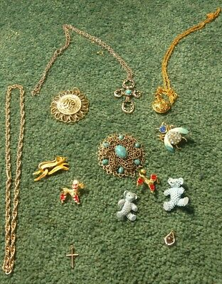 Lot of Vintage Costume Jewelry brooch necklace lot estate