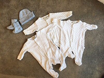 Bulk essential baby clothes Marquise bodysuit Merino wool hat & booties 0000-000