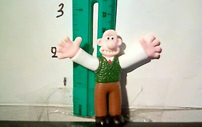 wallace and gromit figure