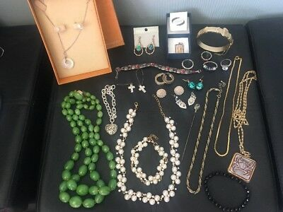 Mixed Lot Of Jewellery Vintage & Modern 23 Items some new boxed LOOK