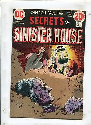 Secrets Of Sinister House #11 - The Monster Of Death Island! - (7.0) 1973