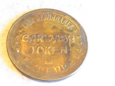 TOKEN LLOYD'S Car Wash NEWBOURGH NEW YORK CARWASH TOKEN CONVENENCE CENTER