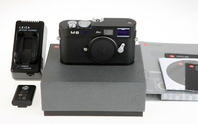 """Rare Leica Limited M8 """"panda"""" Edition With Serial Number 3331952 In Box !!!!!!!!"""