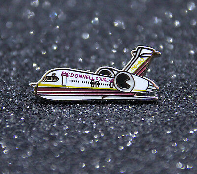 Pin CHUBBY pudgy McDonnell Douglas MD80 1 inch / 27mm metal Pin Pilot MD-80