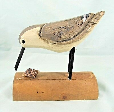 Shore Bird with shell hand carved wood sea life figurine (C)