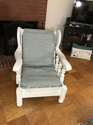 Vintage Chair with Reversible Cushion..Pick Up only In Virginia Beach, Va