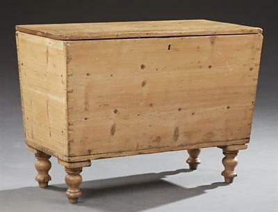 American Country Pine Dough Box, 19th c., the hinged rectangular plan... Lot 273