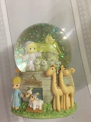 ADORABLE PRECIOUS MOMENTS SNOW GLOBE NOAH'S ARK MUSICAL Animals Retired Water