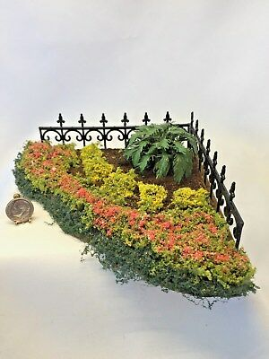 Dollhouse Miniature Artist Signed Outdoor Corner Landscaping Plants Fence 1:12