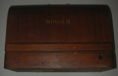 Singer Sewing Machine Working in Wood Case with Keys