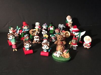 Merry Miniature Hallmark Christmas Vintage Figures Lot Of 26 (#1)