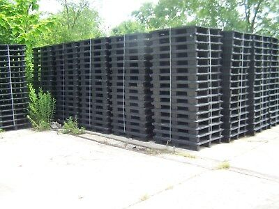 "(16) UNMARKED 47.5""x39.5"" PLASTIC PALLETS w/ REMOVABLE RUNNER FEET STRIPS"