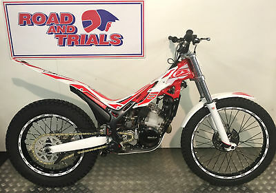 2017 Beta EVO 125 Trials Bike One Owner Excellent Condition FREE Clothing Pack