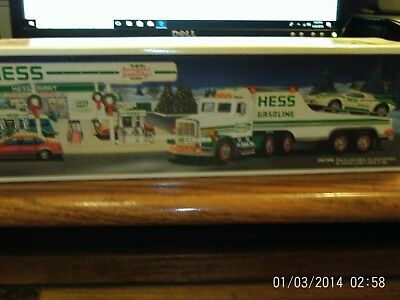 1991 hess toy truck-NEW IN BOX