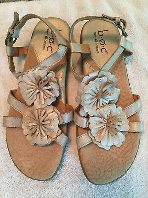 abcf4bc6aa594 Born BOC Sandals Size 7 Women s T Strap Flower Flat Gold Champagne Leather