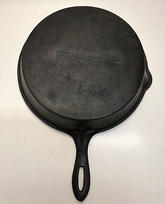 Antique Cast Iron Skillet Gate Mark Single Pour Spout No. VIII and Fancy Handle