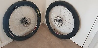 Dt swiss wheelset 26' MtbWith 160mm disk brakes and 9 speed shimano cassette