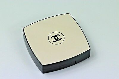 Chanel Les Beiges Healthy Glow Sheer Powder #30 Spf15 Only Swatched W/o Box !!