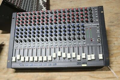 Mackie CR1604-VLZ 16 CH   Microphone Mic Line Mixer Console