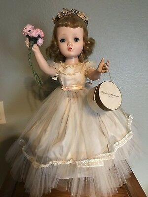 MADAME ALEXANDER VINTAGE CISSY FACE BINNIE/WINNIE 1950's Walker Flower Girl Doll