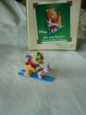 HALLMARK KEEPSAKE ORNAMENT Damaged Box    ON THE SLOPES  Winnie the Pooh Disney