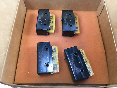 Lot of (4) Honeywell Micro Switch, DT-2R-A7, MS25008-1 New