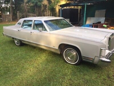 1973 Lincoln Continental  car