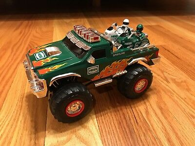 2007 Hess Monster Truck With 2 Motorcycles - Pre-Owned