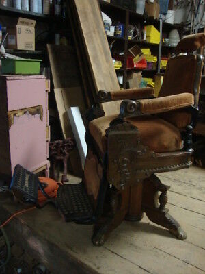 Ornate Antique Eugene Berninghaus Oak Barber Chair Cincinnati Oh MAN CAVE 1 of 2