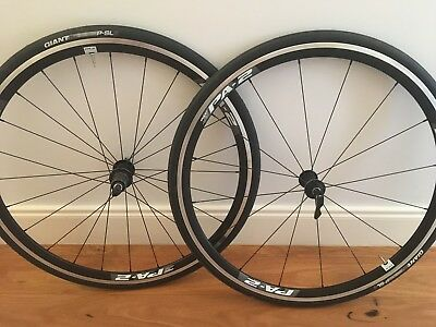 Giant PA-2 Aero Clincher Wheelset with tyres & skewers (Shimano 10/11 speed)