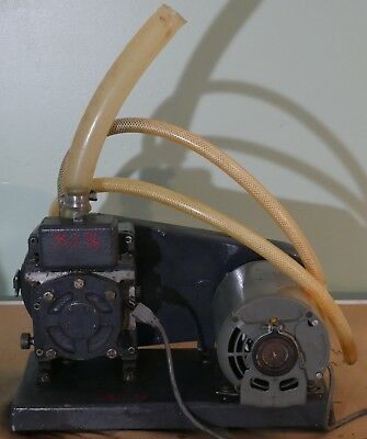 Welch Duo-Seal Vacuum Pump 1400 with Dayton Split Phase A.C. Motor model 5K917B