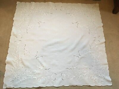 Vintage Floral Embroidered White Cotton Table Cloth Scallop Hem Cutwork