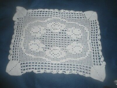 """A Very Pretty White Crocheted Doily Or Table Centre 13.25"""" X 10"""""""
