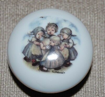 Small Round Hummel Ring Around the Rosey Ring or Trinket Box