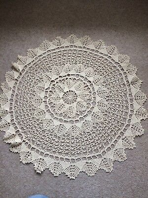 "Vintage English Hand Crochet Round Tablecloth Beautiful Gold Floral 31"" (79cm)"
