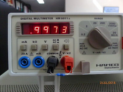 Hameg HM8011-3 Digitalmultimeter (linkes Gerät)