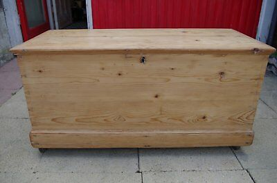 Lovely Antique Victorian Pine Blanket Box Chest Trunk in Fantastic Condition