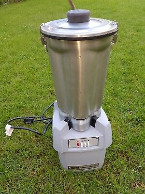 Waring one gallon commercial / industrial blender . Unused food mixer processor
