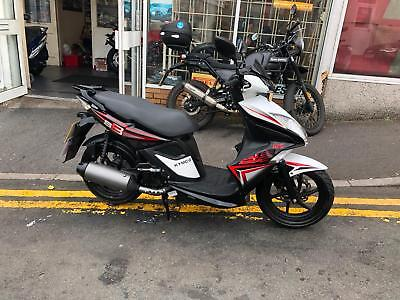 Kymco Super 8 125     Excellent condition, Very low miles. 1K miles