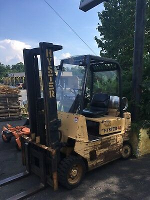 Forklift Hyster 130''lift and 5400lb capacity