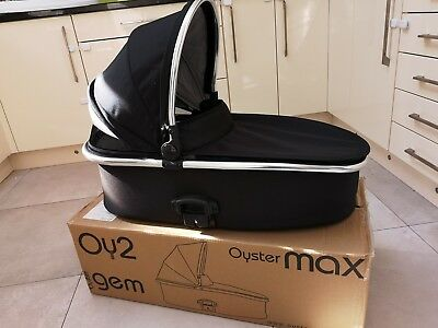 Oyster Max 2 Carrycot Black